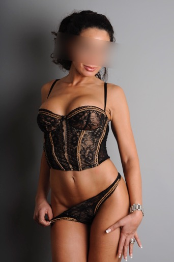 escort service paris mature live