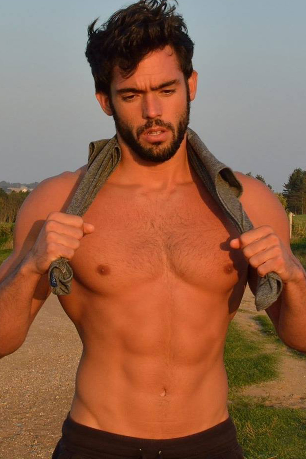 escorte boys gay sur paris